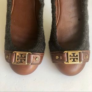 TORY BURCH CHARCOAL WOOL/ BROWN LEATHER FLATS
